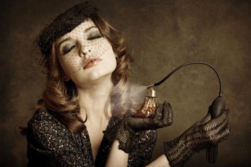 vintage woman spraying perfume feel sexy