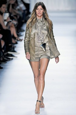 gisele walks givenchy