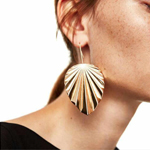 The Ultimate Guide on How to Improve Your Impression: Choose and Wear Earrings Wisely
